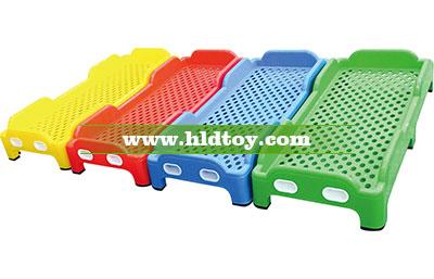 幼儿园塑料儿童床可叠起来放 午休午睡床